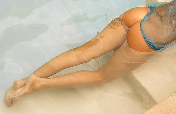 сексуальная девушка в бассейне. красивые фото # 08