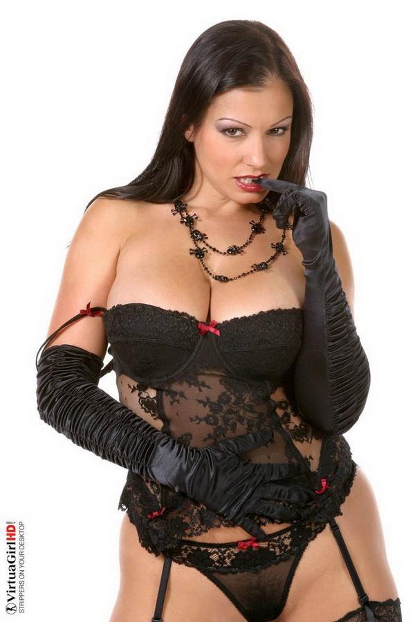 Все женщины - ведьмы. Эротические фото брюнетки # 09