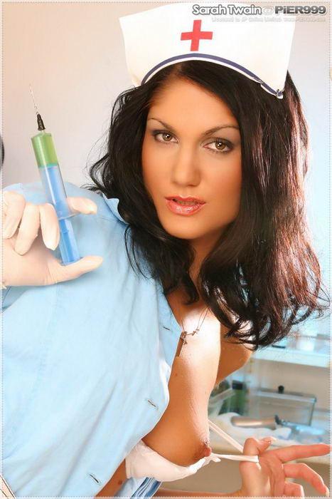 Красивая медсестричка - откровенные фото # 03