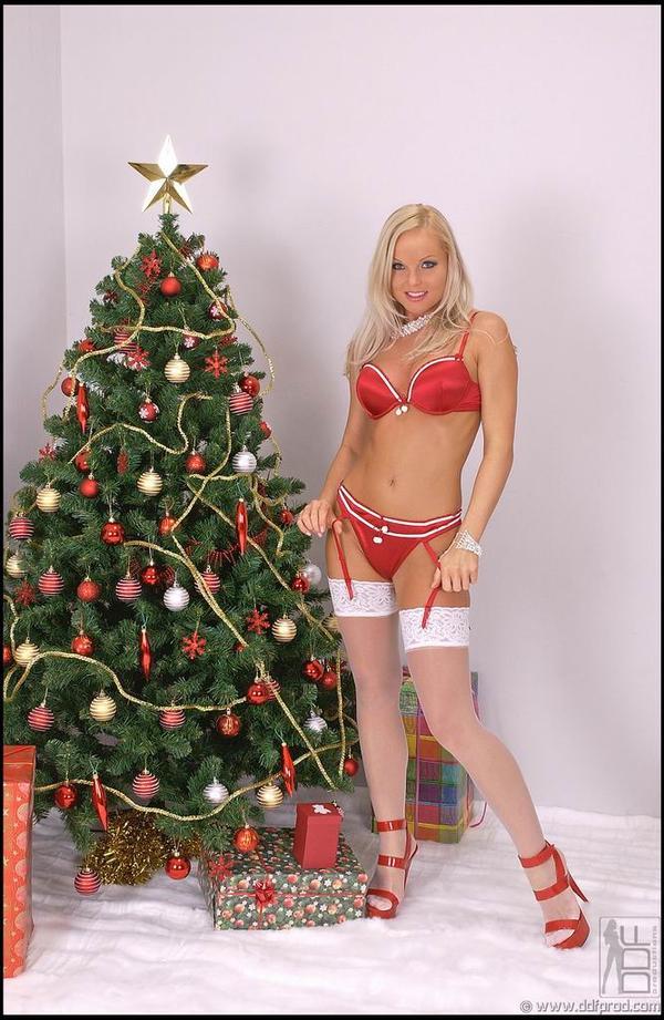 Сильвия Сайнт онлайн. Красивые новогодние фото # 03