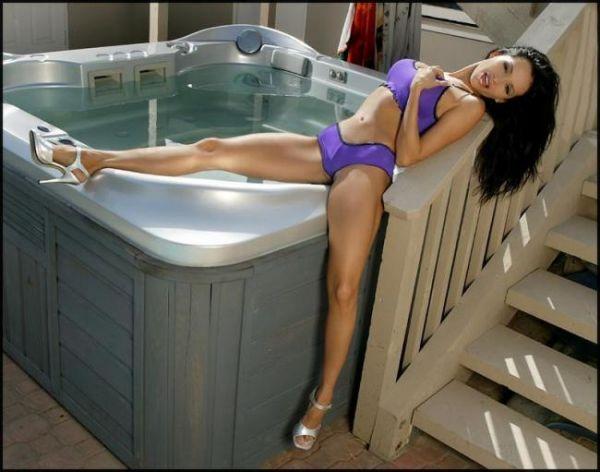 Сексуальные фото брюнетки, принимающей ванну # 05