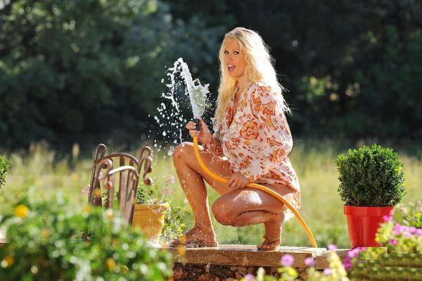Эротические фото голубоглазой блондинки # 09